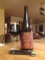 02 - Perennial Artisan Ales - Abaraxas 2015 : This one doesn't need presentation. It took me a while to grab one, but I as not disappointed at all ! Chili stouts are very trendy and I like the pairing of the spices and the chocolate/roasted body of the beer. I would have drink the whole bottle alone !!! I don't want to thing about the barrel aged version...