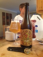 04 - Jester King Brewery - Provenance Orange & Grapefruit : My first beer with orange in it. When it comes to blend beers and fruits, JK is always a sure value. Since my first try, with Noble King, I'm always down to trade some of their offerings. Thanks Alex ! This beers made a very good appetizer before a tartare dish !